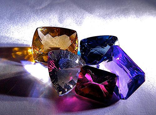 Historia sobre Cristalografía, Cristaloquimica y Aplicaciones