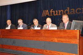 Mesa presidencial presentación Ágora