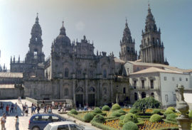 cathedral_square_santiago_de_compostela1