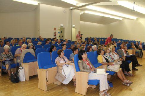 Alumnos en el salón de actos