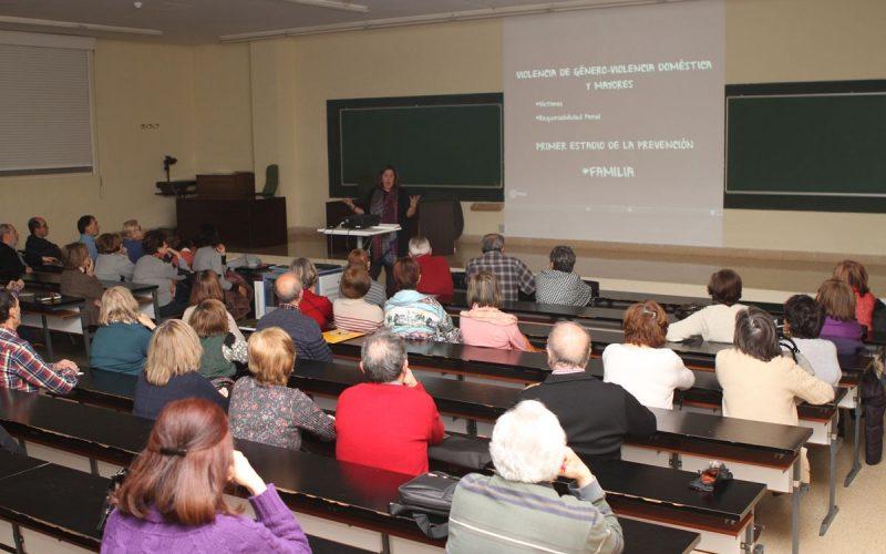 """Conferencia sobre """"Violencia de género y mayores"""""""